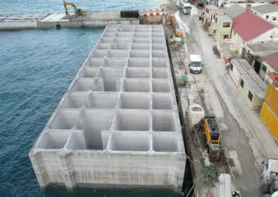 Design of anti-reflective caissons